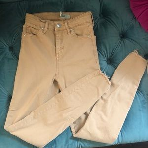 TOPSHOP JAMIE JEANS IN KHAKI WITH FRAYED ANKLE